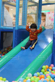 スポーツ,屋内,子供,ボール,すべり台,男の子,アスレチック,インドアスポーツ