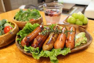 ソーセージのある食事の写真・画像素材[2589165]