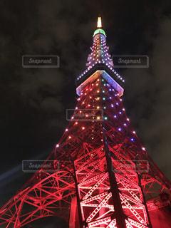 ライトアップされた東京タワーの写真・画像素材[2718081]
