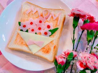 母の日のお花のピザトーストの写真・画像素材[3194166]
