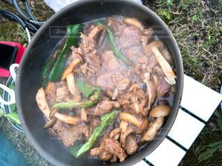 肉や野菜がいっぱい入ったジンギスカンの写真・画像素材[1775079]