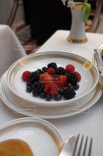 朝食,苺,デザート,テーブル,フルーツ,果物,皿,ベリー