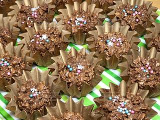 食べ物,チョコレート,バレンタイン,チョコ,手作り,ホームメイド,レシピ,簡単,コーンフレーク,アラザン,チョコスプレー,ひとくちチョコ,彩り綺麗,カップチョコ