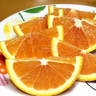 食べ物,オレンジ,テーブル,フルーツ,果物,皿,みずみずしい,くし切り