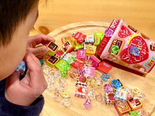 子供,キラキラ,チョコレート,こども,バレンタイン,多色,色・表現