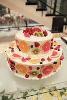 食べ物,ケーキ,結婚式,苺,フルーツ,断面,生クリーム,レモン,キウイ,ブドウ,装飾,グレープフルーツ,フレッシュ,ウェディング,果物断面