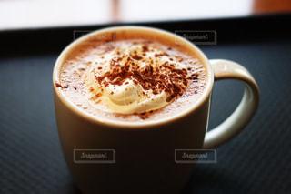 近くに一杯のコーヒーのの写真・画像素材[1777414]