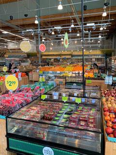オレンジ,苺,フルーツ,りんご,くだもの,果実,マーケット,グレープフルーツ,新鮮,スーパーマーケット,カリフォルニア,ラズベリー,マスカット,複数,イチゴ,ぶどう,グレープ,フォトジェニック,販売,ブラックベリー,青果,さまざま