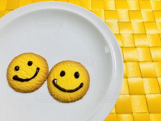 かわいい,スマイル,黄色,元気,笑顔,クッキー,シンプル,素朴,イエロー,コンビ,デコチョコペン