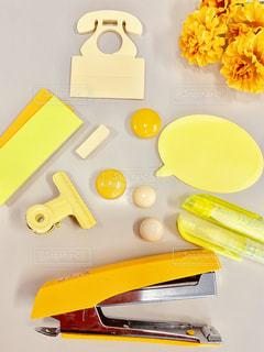 黄色,黄色の花,イエロー,文房具,カラー,色,黄,yellow,おしゃれ,机の中に
