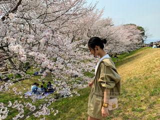 春コーデの写真・画像素材[2009710]
