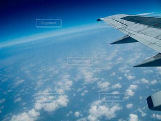 海,空,雲,飛行機,飛ぶ,タイ,地平線,翼,海外旅行,フォトジェニック,つばさ