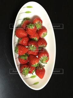 赤,テーブル,甘い,おいしそう,新鮮,旬,イチゴ
