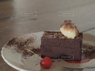食べ物,スイーツ,カフェ,デザート,さくらんぼ,チョコレート,バレンタイン,チョコレートケーキ,ナチュラル,バレンタインデー,カフェ巡り,カフェ活,ふんわりフォト