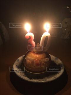 キャンドルとケーキの写真・画像素材[1785643]