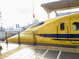 駅,黄色,幸せ,鉄道,新幹線,ドクターイエロー,ホーム,yellow,幸せを運ぶ,黄色の新幹線