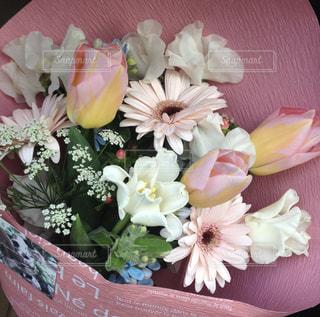 可愛い花束の写真・画像素材[2122112]