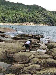 自然,海,岩,後姿,男の子