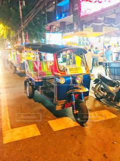 夜,海外,カラフル,旅行,タクシー,タイ,繁華街,バンコク,トゥクトゥク