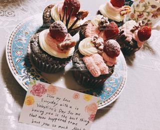 食べ物,スイーツ,冬,プレゼント,苺,手紙,クリーム,デザート,カップケーキ,チョコレート,甘い,バレンタイン,手作り,バレンタインデー,ギフト,夫,本命
