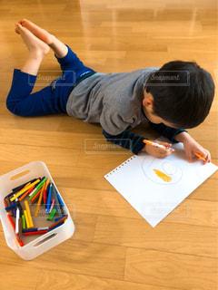 屋内,ペン,幼児,色鉛筆,手書き,紙,おえかき,おうち時間