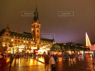 風景,建物,冬,夜,雨,屋外,海外,ヨーロッパ,光,イルミネーション,外国,クリスマス,ドイツ,海外旅行,クリスマスマーケット,ハンブルク,市庁舎