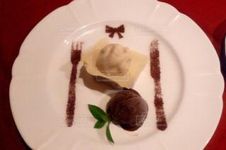 食べ物,デザート,フォーク,スプーン,皿,リボン,アイス,チョコレート,チョコ,デート,バレンタインデー