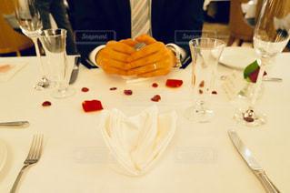 夫婦になって、はじめての食事の写真・画像素材[1870237]