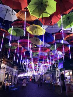 カラフルな傘の写真・画像素材[1878055]