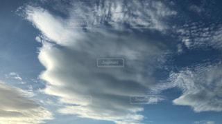 夏の空と雲の写真・画像素材[3026891]