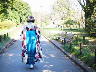女性,後ろ姿,日本武道館,人物,人,女子大生,卒業式,若い女性