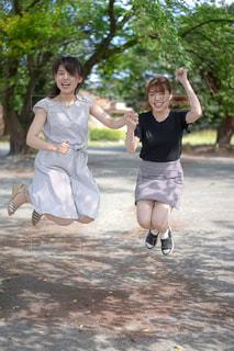 仲良しの女の子の写真・画像素材[2272084]