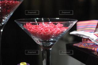 近くにワインのグラスのの写真・画像素材[1801362]