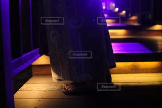 草津温泉街のライトアップと下駄の写真・画像素材[1807519]