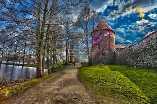 風景,春,芝生,青空,ヨーロッパ,山道,道,林道,城壁,HDR,リトアニア,トラカイ