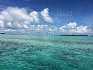 自然,風景,海,空,雲,晴れ,青,エメラルドグリーン,南の島,海外旅行,珊瑚礁,リーフ,パラオ,グラデーション,海外リゾート,ジャーマンチャネル