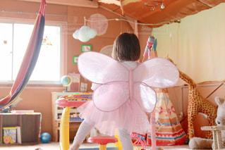 子ども,屋内,ピンク,かわいい,後ろ姿,室内,女子,ピアノ,子供,女の子,ハンモック,スカート,人物,可愛い,キリン,パステル,子供部屋,明るい,KAWAII,パステルカラー,ちょうちょ,うしろ姿,3歳,おかっぱ,ファンシー,ゆめかわ,ティピ
