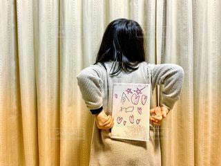 子ども,文字,ピンク,後ろ姿,子供,女の子,星,ハート,後姿,落書き,漢字,子供の字,元号,令和