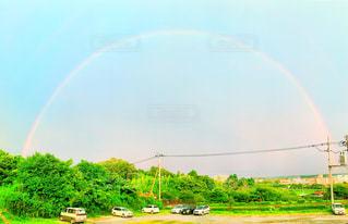 雨上がりの虹の写真・画像素材[2343263]