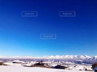 冬の厳しい十勝岳の写真・画像素材[1813333]