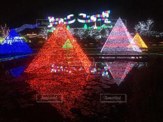 カラフルなピラミッドの写真・画像素材[1876505]