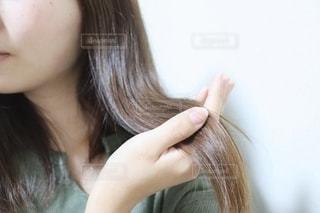 サラサラの髪の毛の写真・画像素材[2281272]