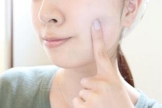 歯を磨く女性の写真・画像素材[2292995]