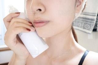 すっぴんの女性の写真・画像素材[2293144]