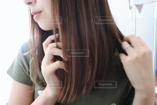 女性のクローズアップの写真・画像素材[2305144]