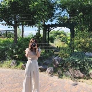 女性の姿の写真・画像素材[2313202]