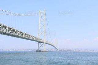 水域に架かる橋の写真・画像素材[2374698]