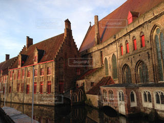 反射,レンガ,ベルギー,オレンジの窓枠