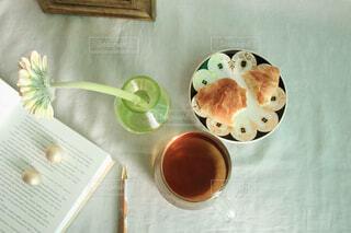 食べ物,カフェ,コーヒー,朝食,屋内,デザート,スプーン,リラックス,食器,カップ,紅茶,おうちカフェ,ドリンク,おうち,ライフスタイル,ファストフード,コーヒー カップ,おうち時間,受け皿