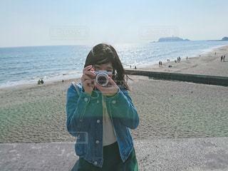 カメラを構えての写真・画像素材[1847401]